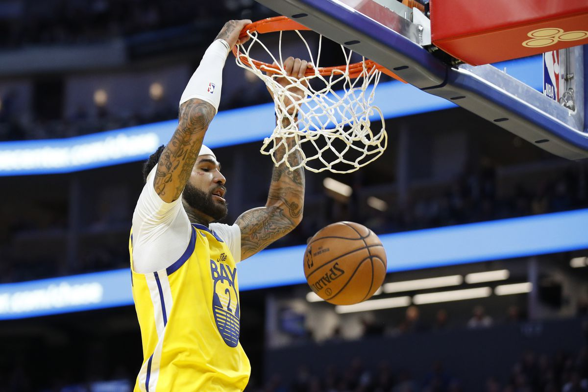 Golden State Warriors center Willie Cauley-Stein dunks during the fourth quarter against the Orlando Magic at Chase Center.