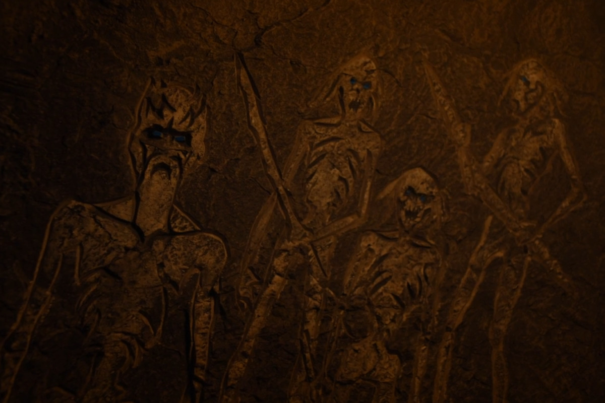 'Game of Thrones': Photos & Meaning of Hieroglyphs at Dragonstone Cave