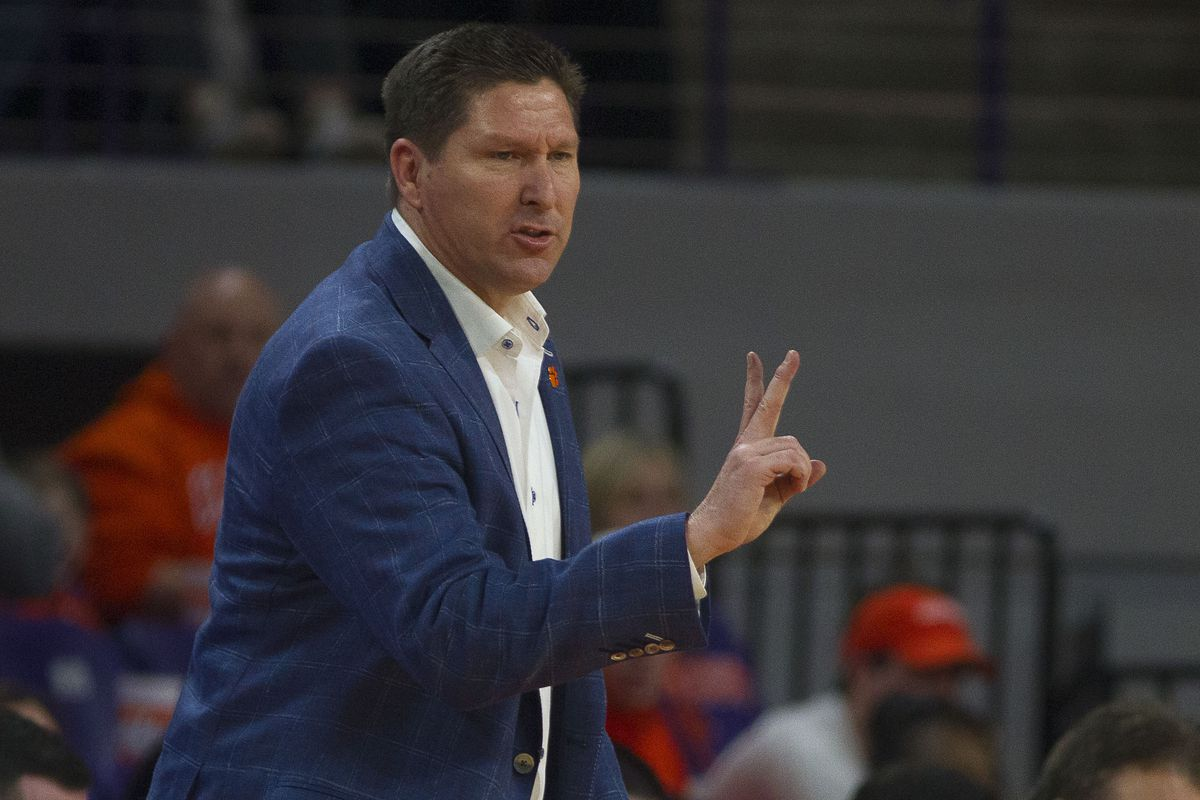 Hoops Preview: Clemson travels to take on Louisville