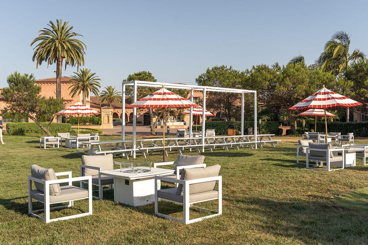 All-outdoor restaurant Del Mar Social Club