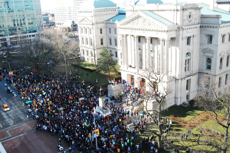In 2011, thousands of union members, including teachers, protested bills aimed at limiting union bargaining. (ISTA)