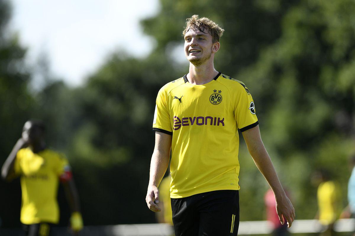Borussia Dortmund U19 v Hannover 96 U19