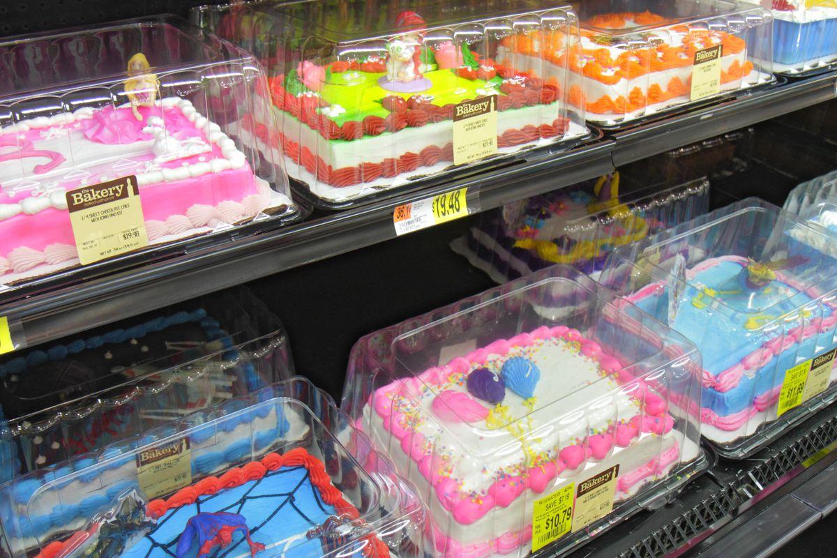 Texas Woman Eats Half A Cake At Walmart Refuses To Pay Full