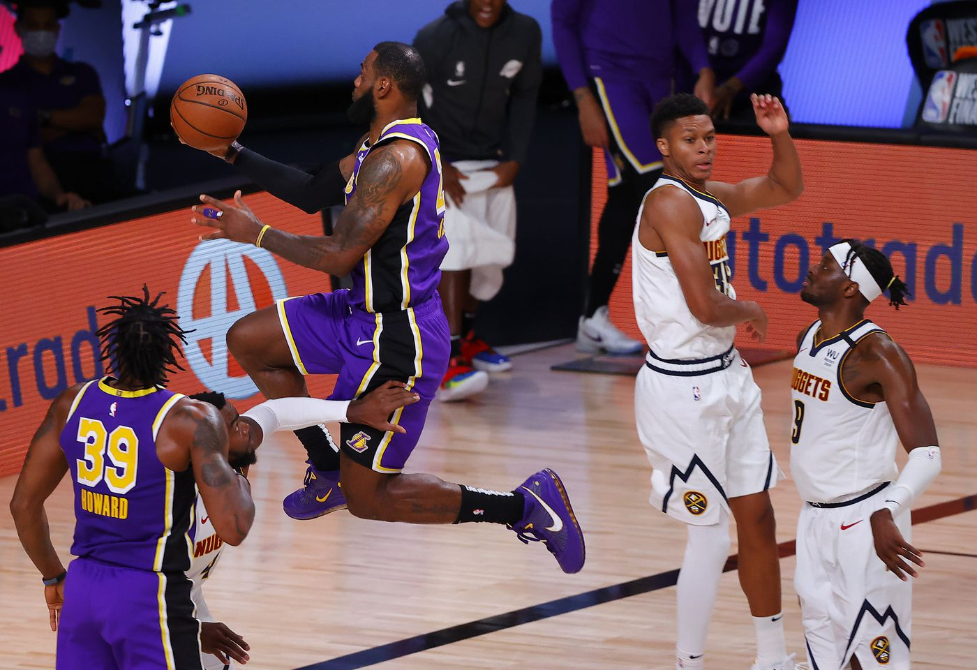 The Lakers Can T Afford To Slow Play The Heat The Ringer