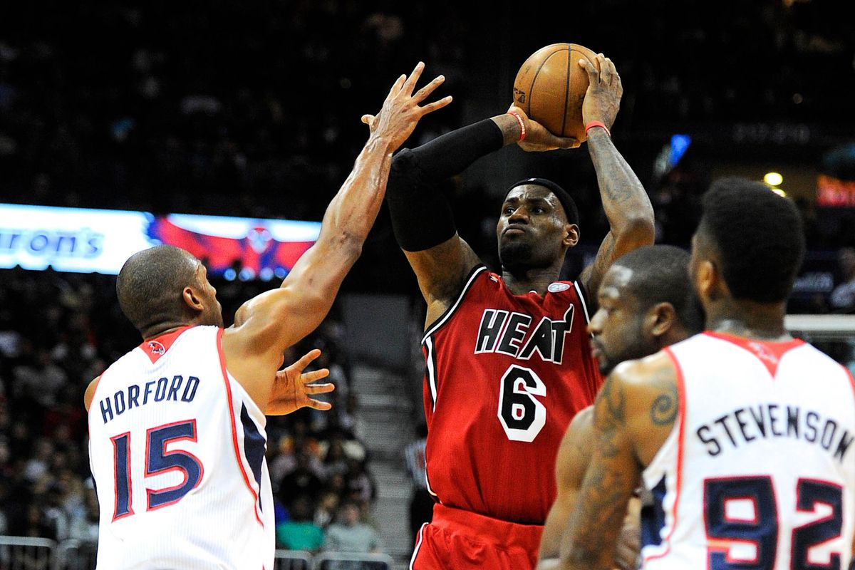 LeBron James and the Heat got the best of Al Horford's (left) Hawks