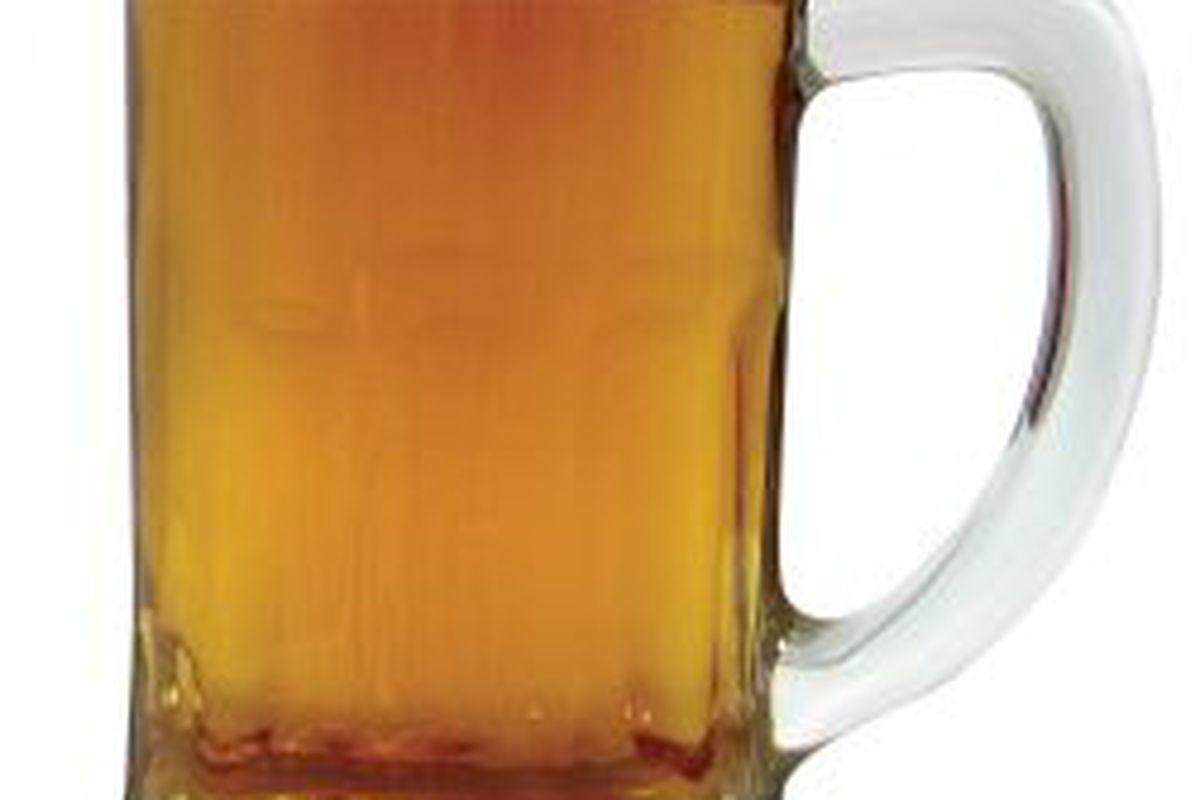 "via <a href=""http://tomdouglas.com/blog/wp-content/uploads/2010/03/warren-another-beer.jpg"">tomdouglas.com</a>"