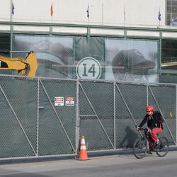 5:14 p.m. A view of the Ernie Banks banners from Clark Street -