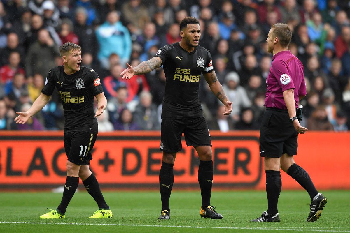 Swansea City v Newcastle United - Premier League