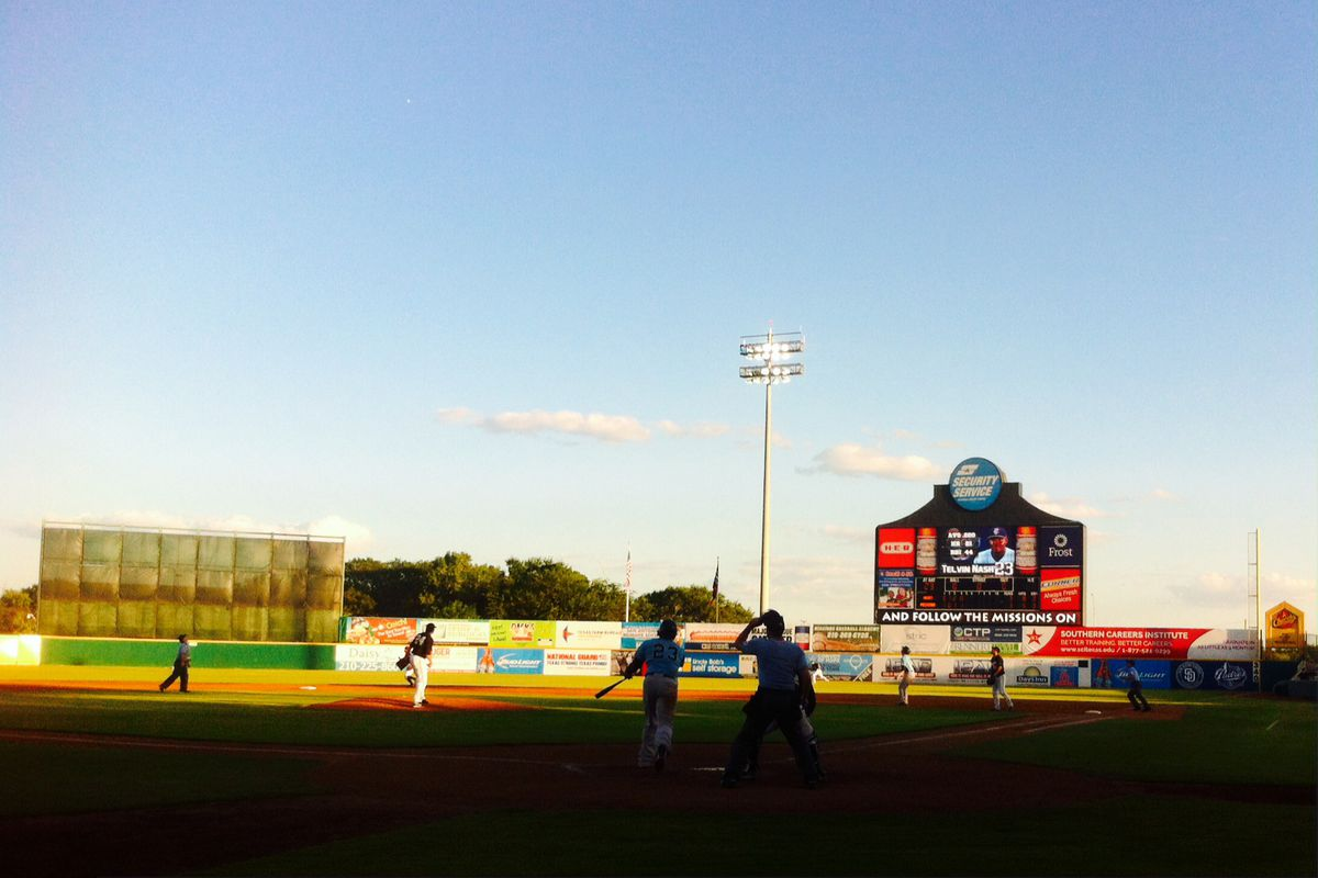 Hooks slugger Telvin Nash (#23) lifts a sacrifice fly in the top of the fifth inning against the San Antonio Missions.