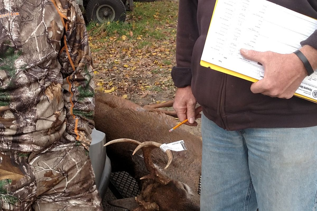 Opening day, Illinois deer hunting: Mixed bag, weather and deer