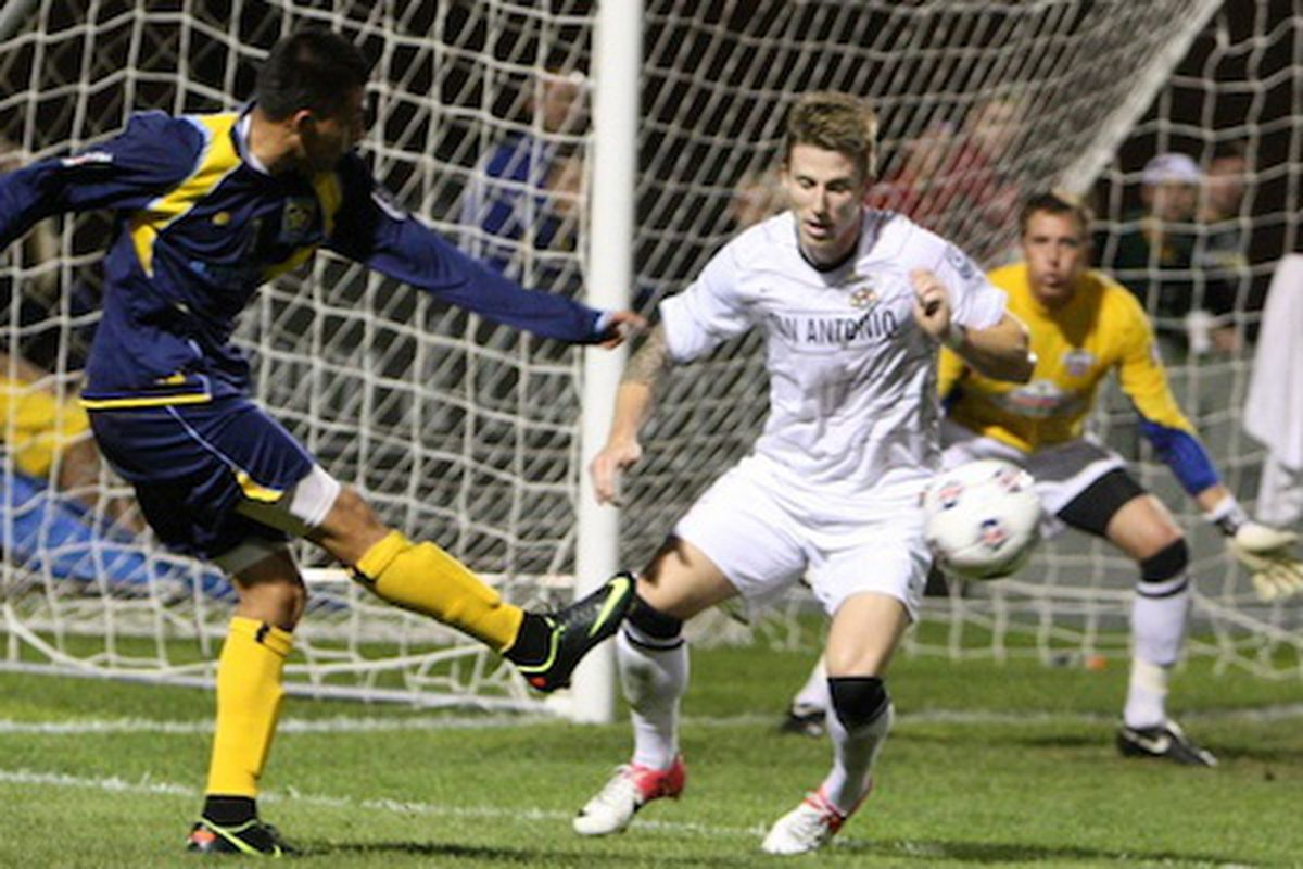 Miguel Ibarra goes for goal against San Antonio on August 11. Image courtesy Jeremy Olson at DigitalGopher.net.