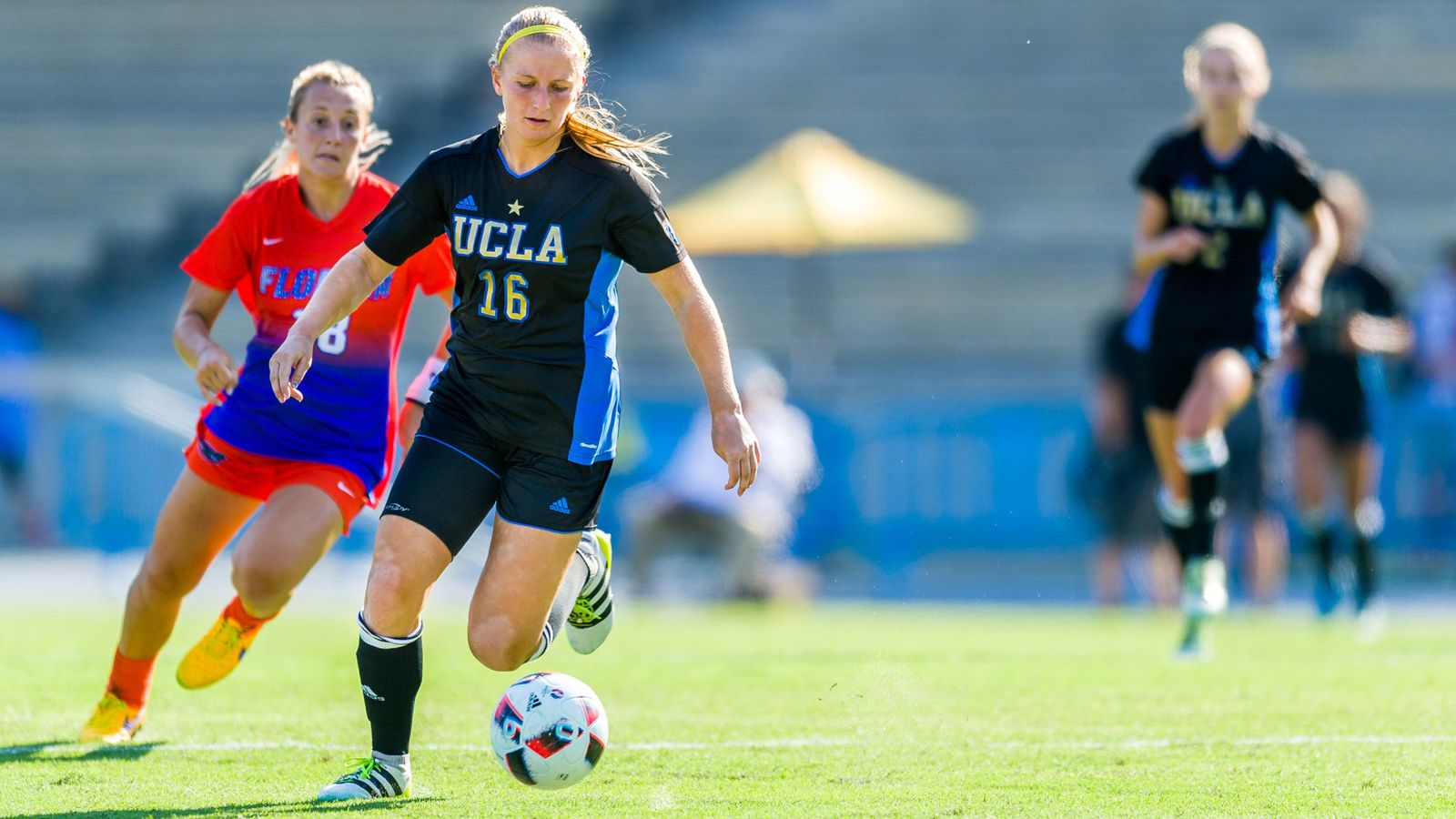 womens non conference soccer action - HD1600×900