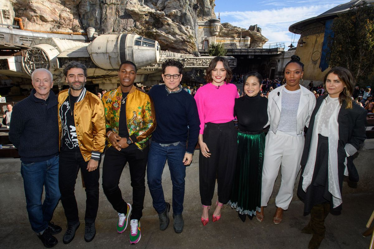 These Major Star Wars Rise Of Skywalker Characters Appear In Rise Of The Resistance Deseret News