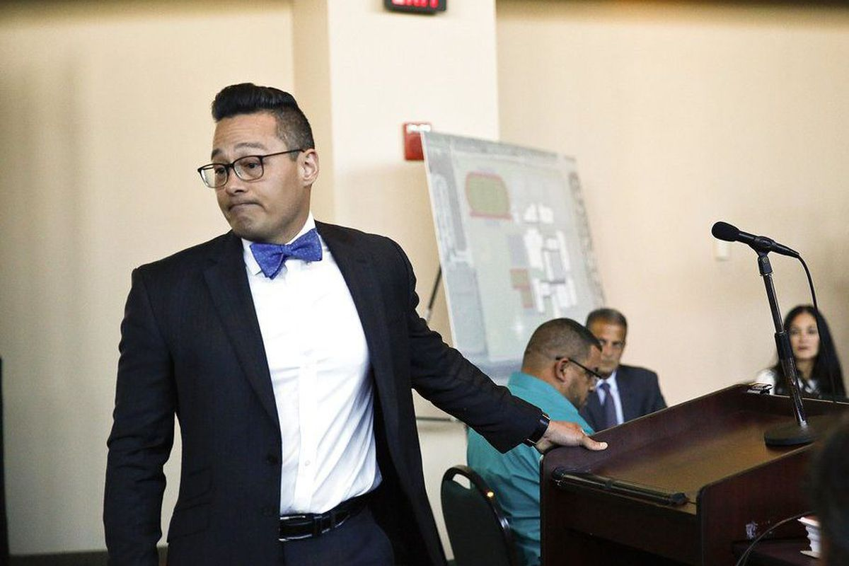 Criticized Florida deputy refuses to testify about school massacre