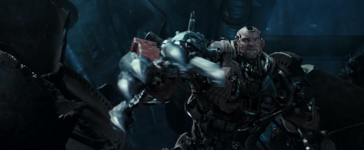Grewishka (Jackie Earle Haley) unleashing his claws.