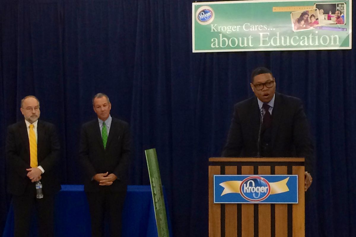Superintendent Lewis Ferebee thanks Kroger executives for grants to its schools.