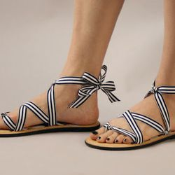 Local fashion editors and style fiends love Mohop Shoes, an eco-friendly line founded by  Chicago architect Annie Mohaupt. Her custom sandals pair ribbons with interchangeable soles, and customers can change up the look of the shoe with different lengths