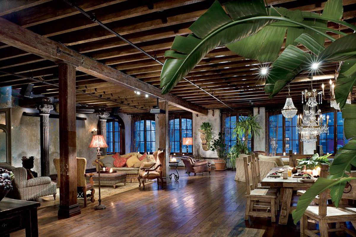 Gerard butler s rustic chelsea loft with baroque flair for Chelsea nyc apartments for sale