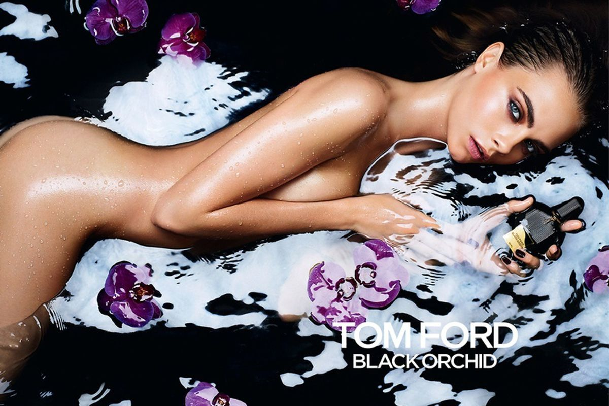 """Image via <a href=""""http://www.fashiongonerogue.com/cara-delevingne-goes-naked-tom-ford-black-orchid-fragrance-ad/"""">Fashion Gone Rogue</a>."""