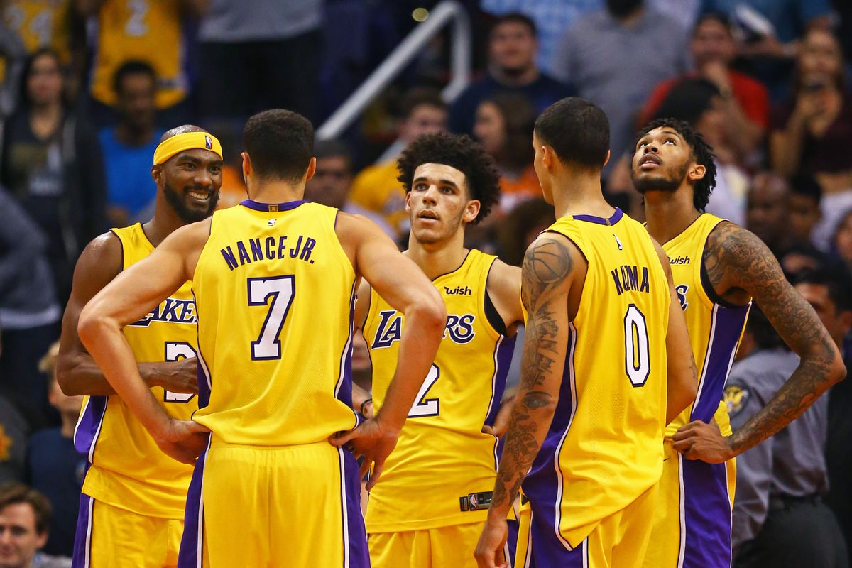 Los Angeles Lakers (3-4)