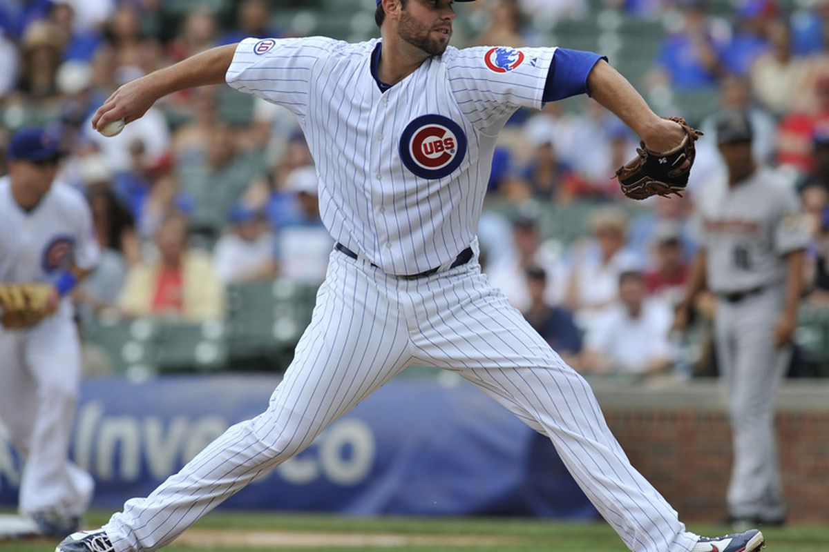 Randy Wells of the Chicago Cubs pitches against the Houston Astros at Wrigley Field in Chicago, Illinois. The Cubs defeated the Astros 5-1.  (Photo by David Banks/Getty Images)