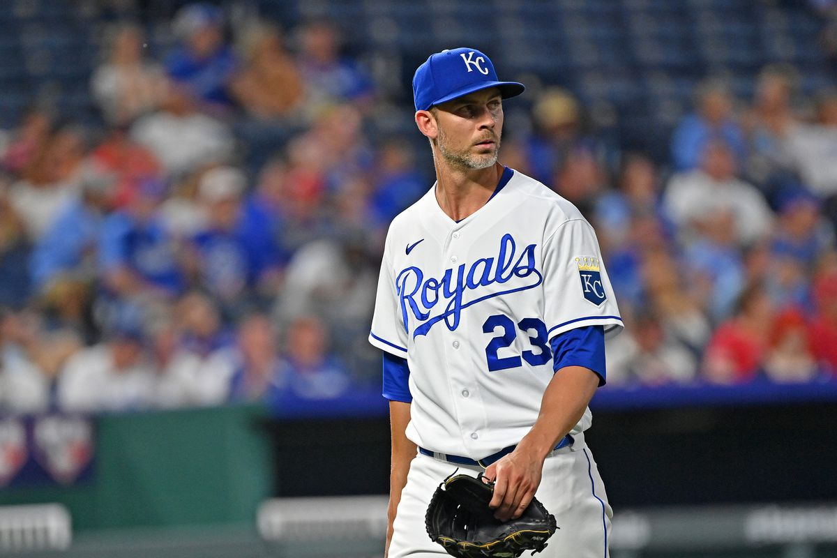 Kansas City Royals starting pitcher Mike Minor (23) walks off the mound after getting relieved during the seventh inning against the Cincinnati Reds at Kauffman Stadium. Mandatory Credit: Peter Aiken