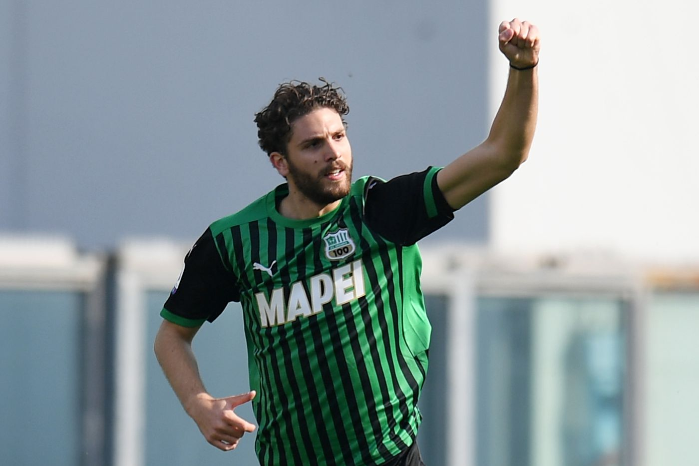 Report: Juventus open talks with Sassuolo for Manuel Locatelli - Black & White & Read All Over