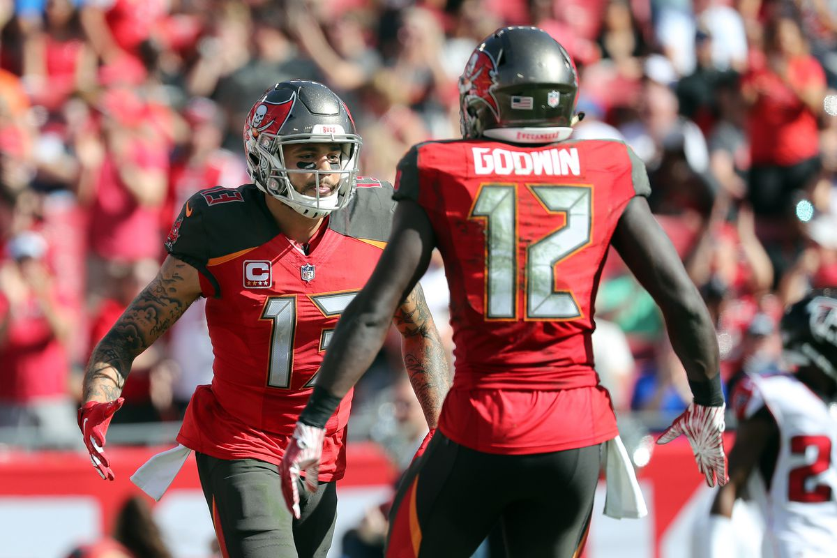Fantasy Football Start Sit Advice Week 11 What To Do With Chris Godwin Mike Evans Draftkings Nation