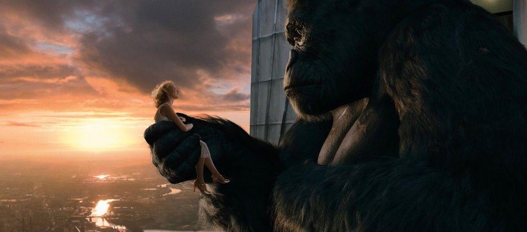 King Kong (2005) - King Kong holding Ann