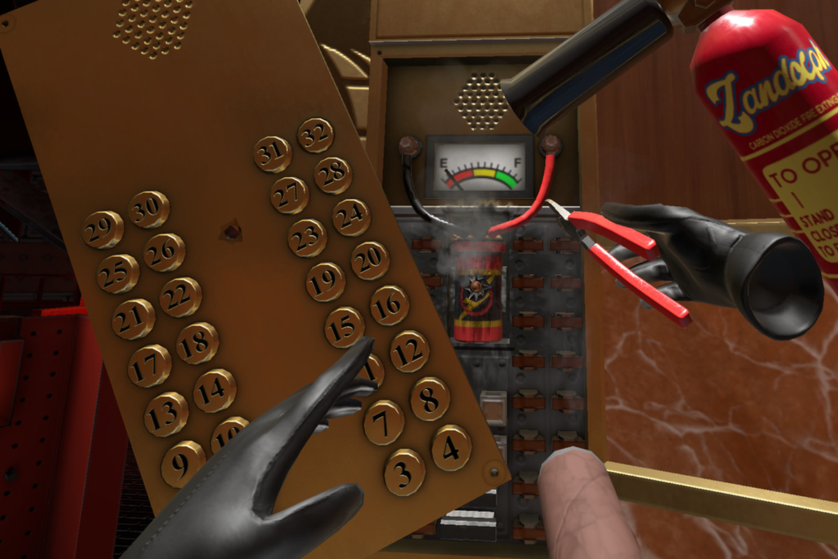 The player disarming a bomb in an elevator in I Expect You To Die 2