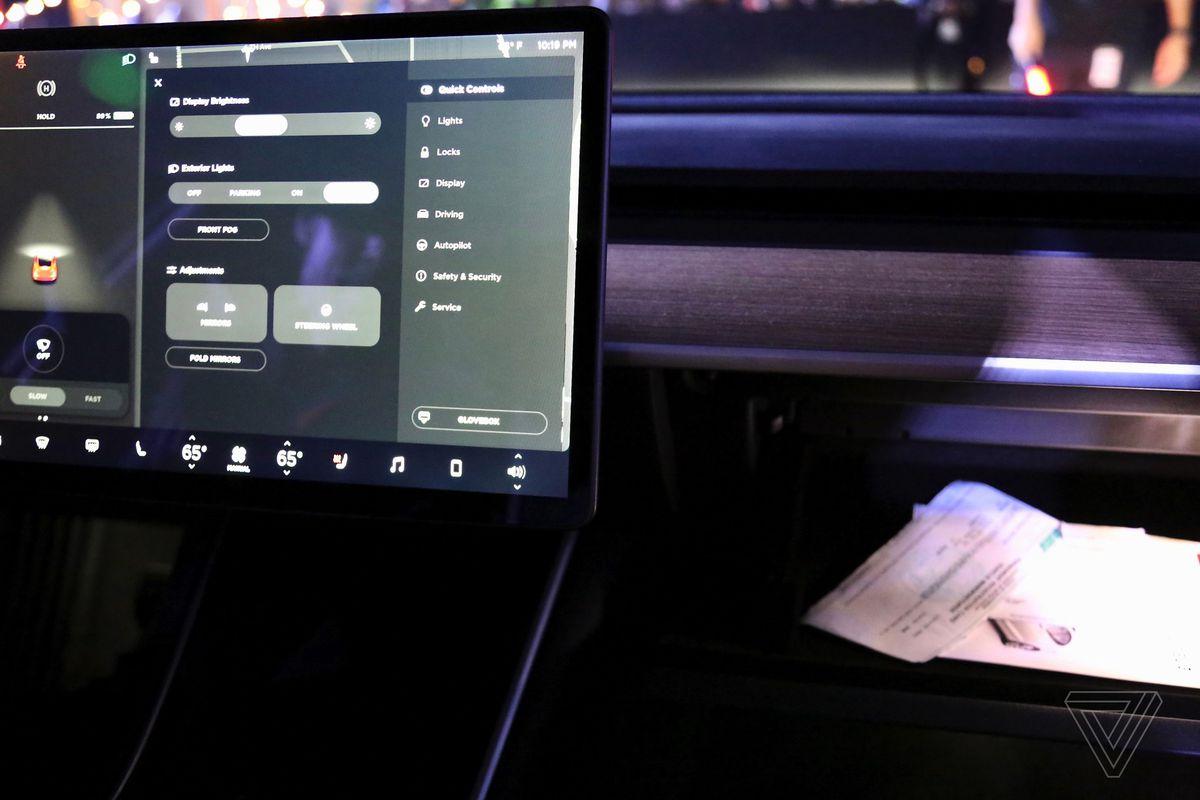 A closer look at Tesla Model 3's spartan interior - The Verge