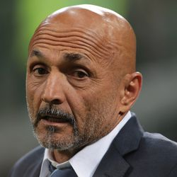 FC Internazionale coach Luciano Spalletti looks on during the Serie A match between FC Internazionale and ACF Fiorentina at Stadio Giuseppe Meazza on September 25, 2018 in Milan, Italy.