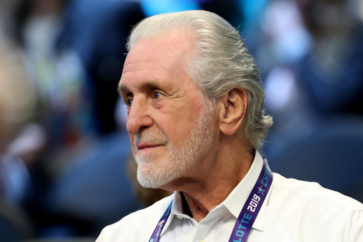 582a260b461 Pat Riley says he s thought about returning to the Lakers