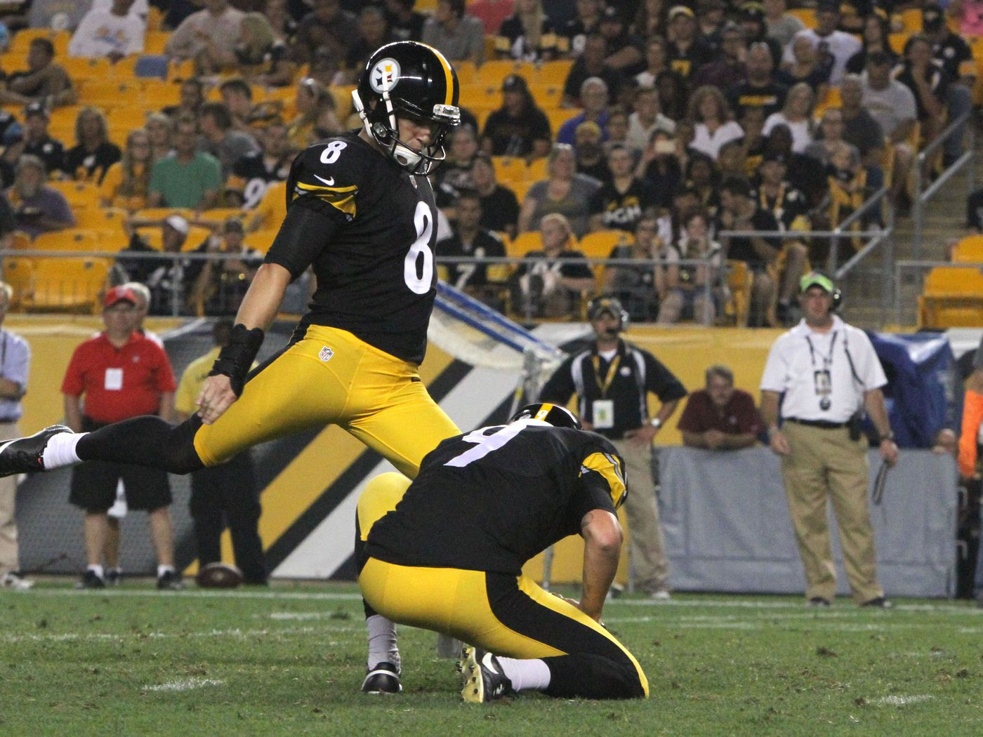 4af75bb72 Former Steelers kicker Josh Scobee officially a member of the New Orleans  Saints