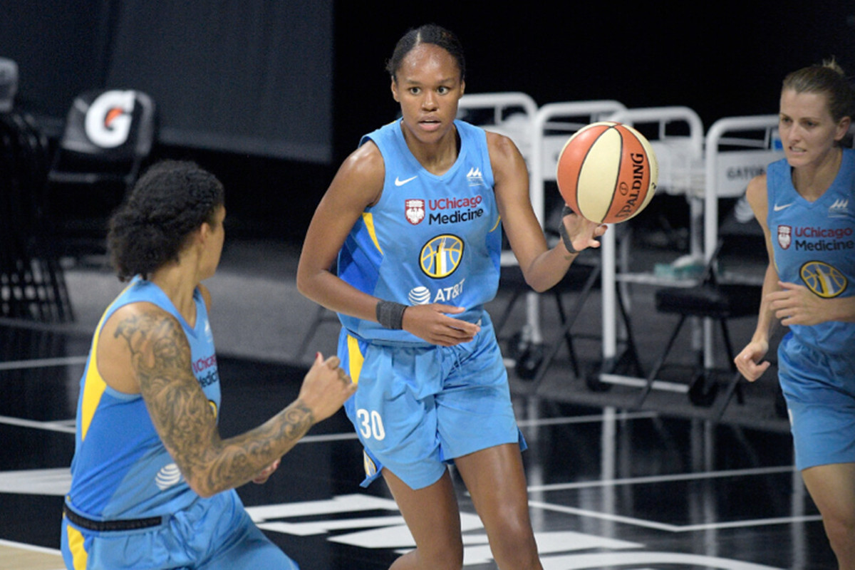 Azura Stevens signed a one-year contract extension with the Sky this week.