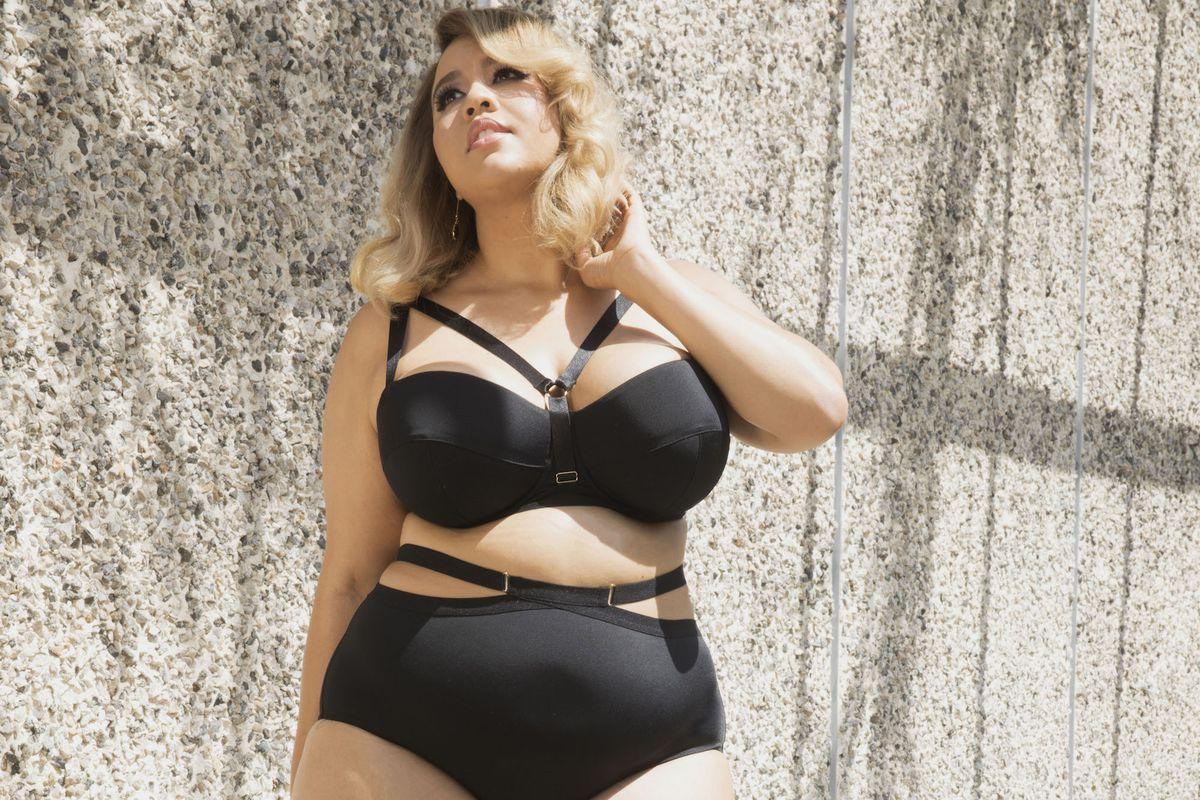 Model Gabi Fresh in black lingerie