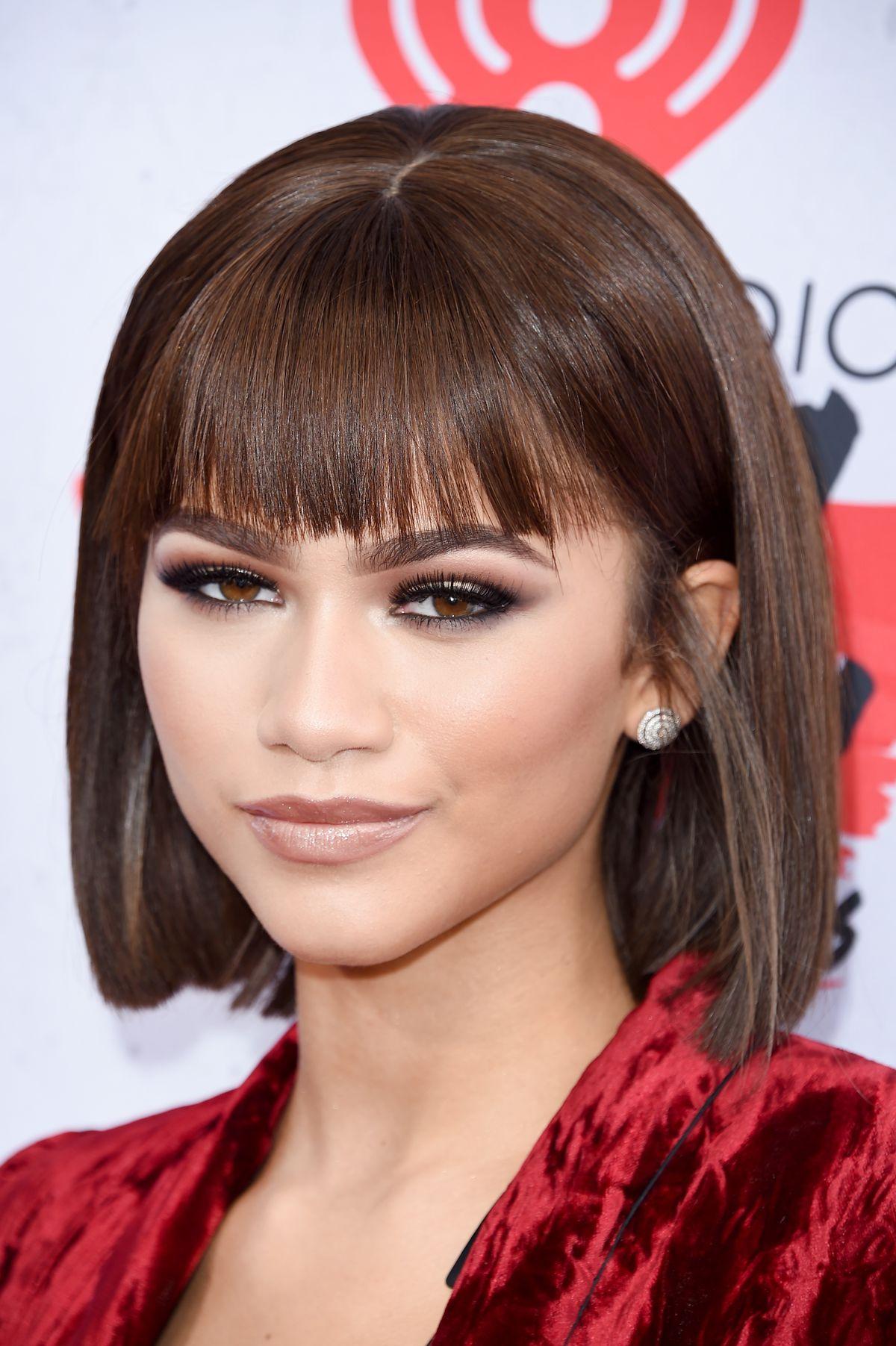 Demi Lovato Zendaya Join Taylor Swift Rihanna In Bob Haircut Mafia