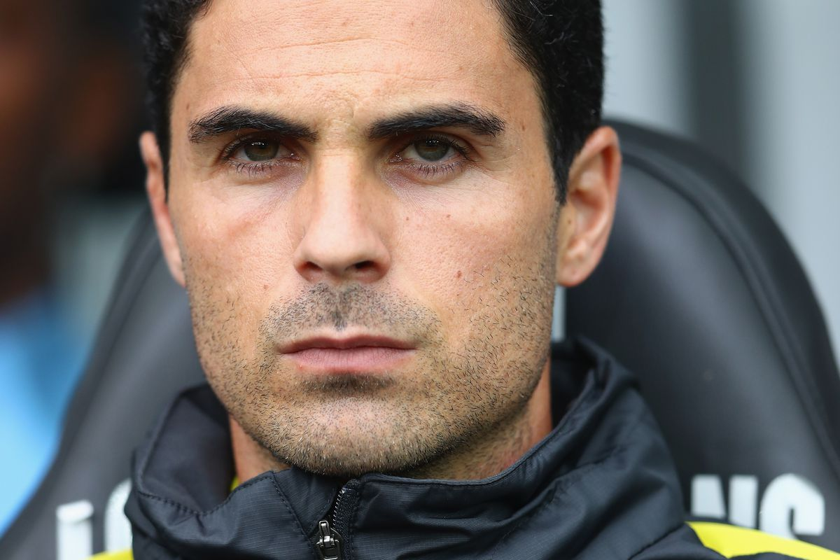 Manchester City Assistant Coach Mikel Arteta looks on during City's match against Swansea City, September 24, 2016.