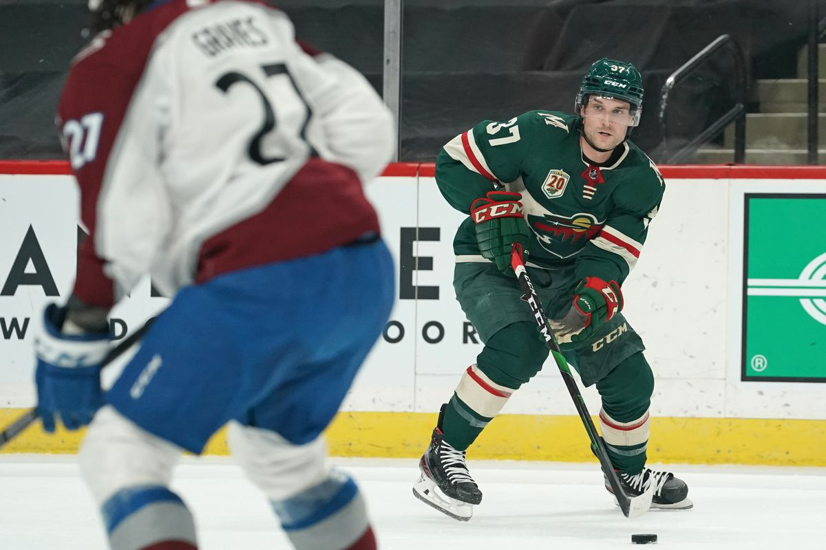 NHL: APR 07 Avalanche at Wild