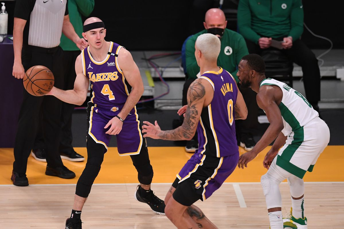 Boston Celtics defeated the Los Angeles Lakers 121-113 in front of almost two thousand fans.