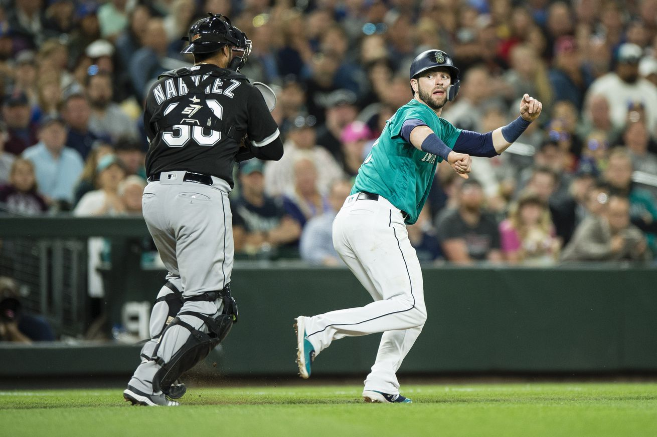 Mariners Acquire C Omar Narváez, trade Álex Colomé to White Sox
