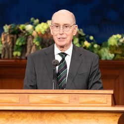 President Henry B. Eyring conducts the Saturday afternoon session of the 190th Annual General Conference of The Church of Jesus Christ of Latter-day Saints on Saturday, April 4, 2020, in Salt Lake City.