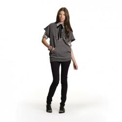 Plaid Button-Down in Pink/Cream Sweatshirt in Gray, $29.99 Jeggings in Black, $39.99<br />