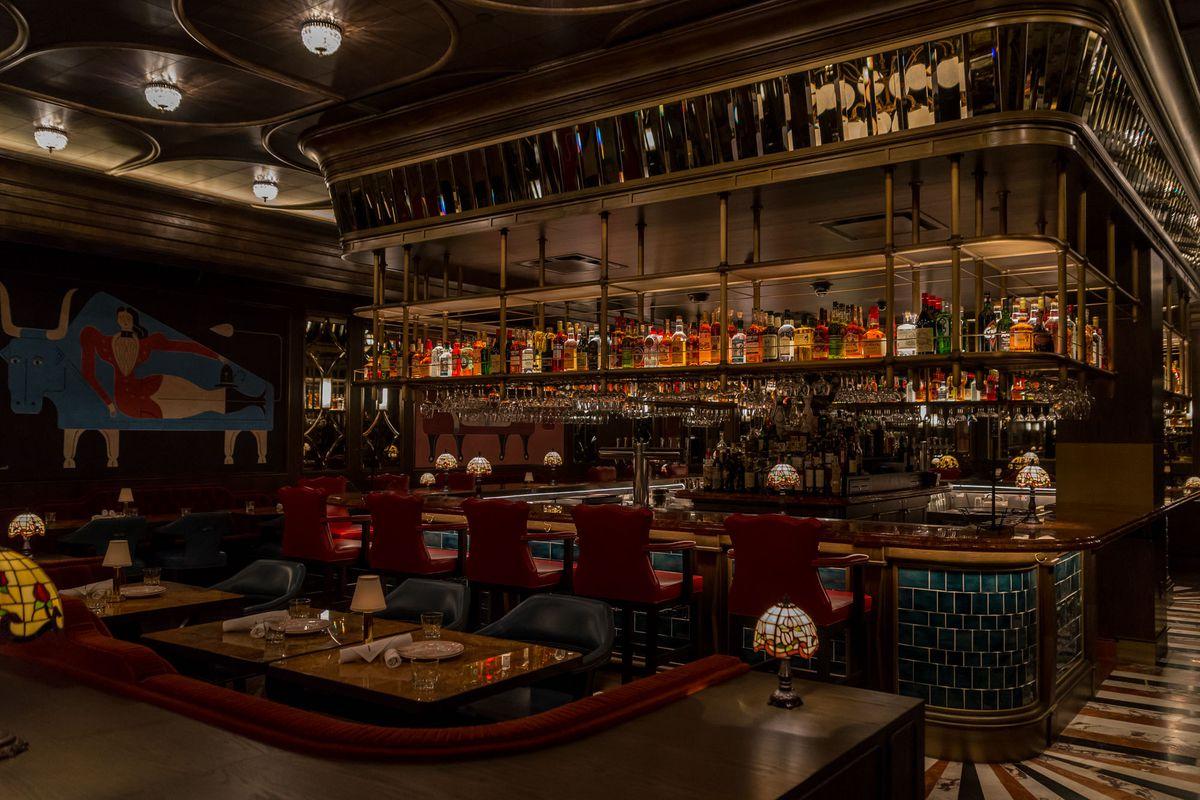 The bar at Bavette's