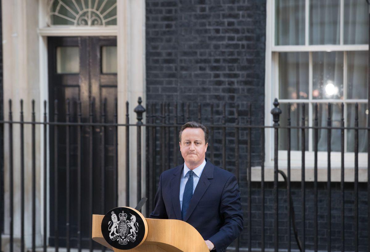 David Cameron resigning outside 10 Downing Street