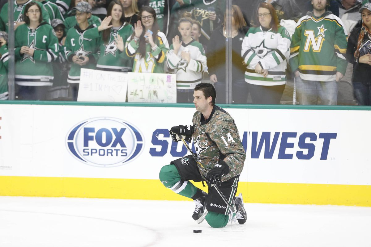 Has anyone seen Jamie Benn?  He was right around that weird foliage thing just a minute ago--HEY!