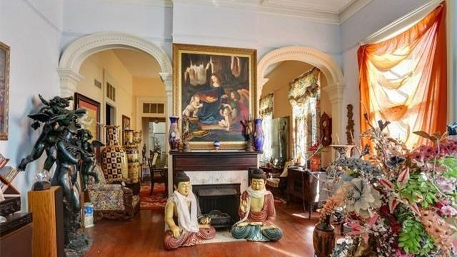 Garden District Victorian With Bonkers Decor Asks 990k