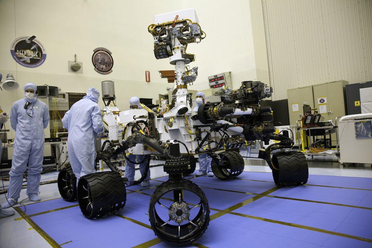 Mars Rover Curiosity 1024