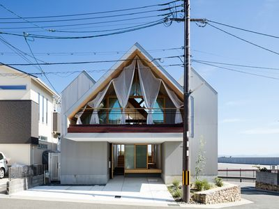 Breezy Japanese house is a clever indoor-outdoor dream