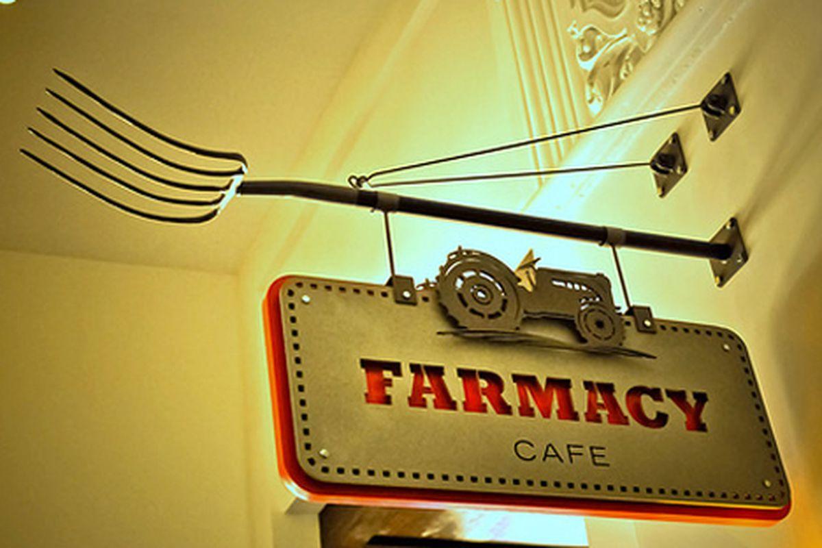 Farmacy Cafe, Padre Hotel Bakersfield, California